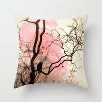 L'oiseau Sur L'Arbre Throw Pillow