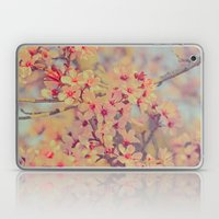 Vintage Blossoms - In Me… Laptop & iPad Skin