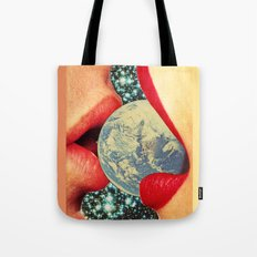 Lovers who eat the world Tote Bag