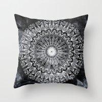 ORGANIC BOHO MANDALA Throw Pillow