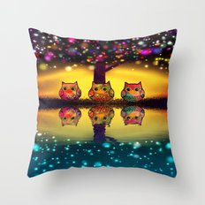 owl-893 Throw Pillow