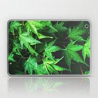 green love  Laptop & iPad Skin