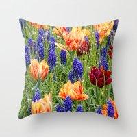 spring messengers Throw Pillow