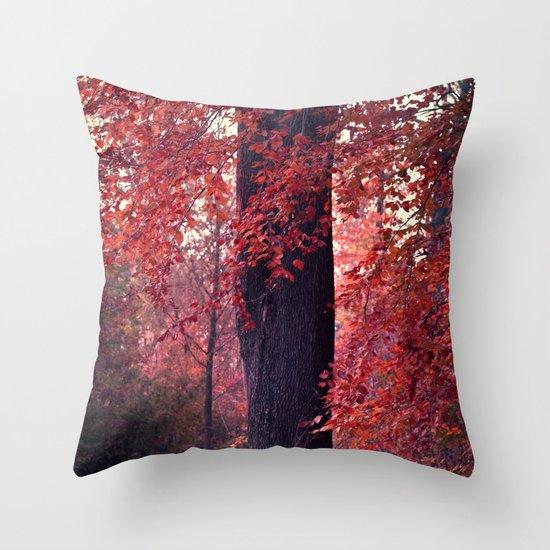 arbre Throw Pillow