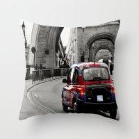London Union Jack Taxi. Throw Pillow
