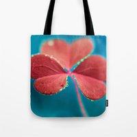 You turn my heart every which way - pink clover macro. Tote Bag