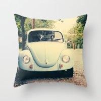 bug love Throw Pillow