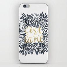 C'est La Vie – Grey & … iPhone & iPod Skin