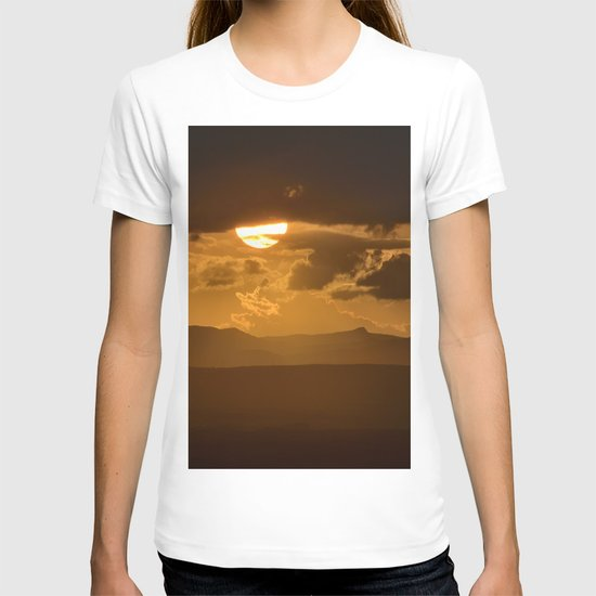 The sun after the storm T-shirt