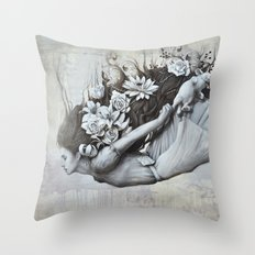 Le jardin d'Alice Throw Pillow