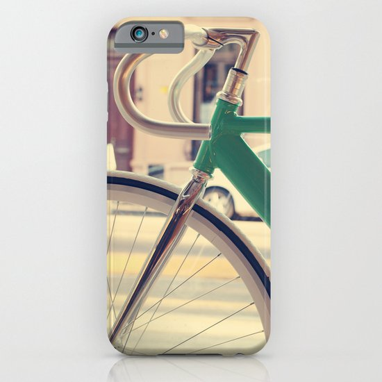 Geen Mint Bicycle in the City (Retro - Vintage Photography) iPhone & iPod Case