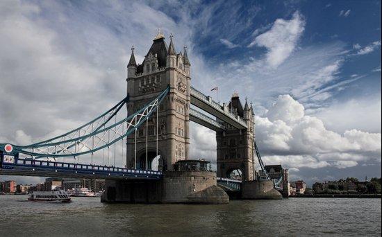 Tower Bridge, London Art Print