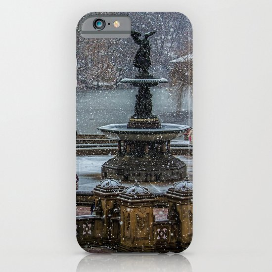 Flurries In The Park iPhone & iPod Case