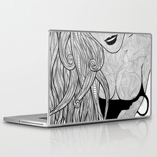 La femme - Bea Laptop & iPad Skin