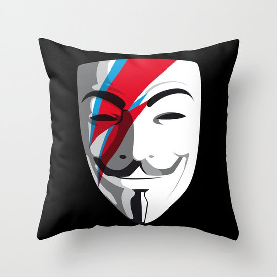 Viggy Starfawkes – Who wants to be anonymous? Throw Pillow