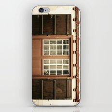 puerta roja iPhone & iPod Skin