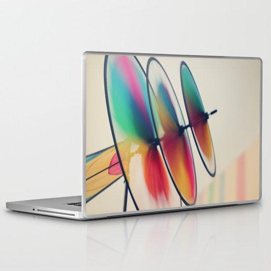 Spin, spin, spin Laptop & iPad Skin