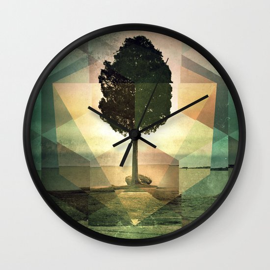 frt phyynyx Wall Clock