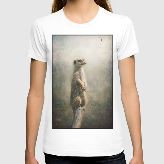 The Watcher on the post... T-shirt