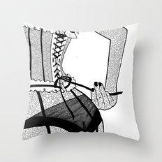 La femme n.7 Throw Pillow