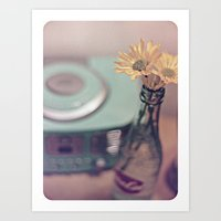 daisies with vintage radio Art Print