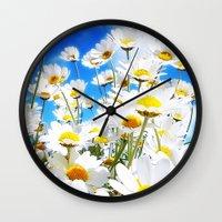 DAISY Wall Clock