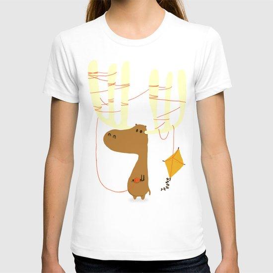 A moose ing T-shirt