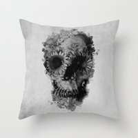 Skull 2 / BW Throw Pillow