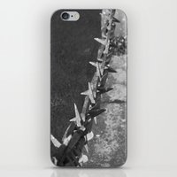 Medieval Portcullis Chain. iPhone & iPod Skin