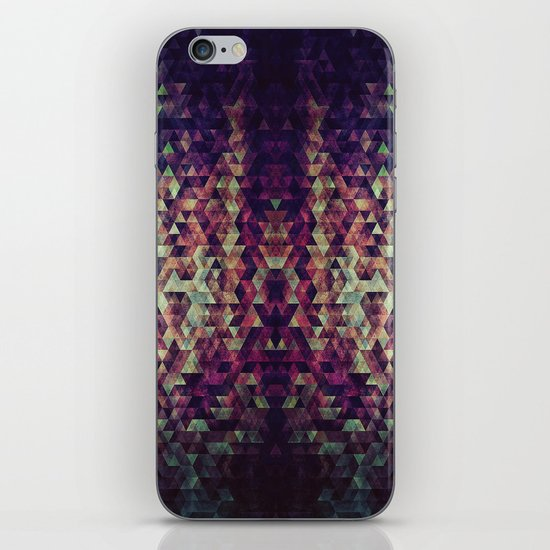 pyrtykll iPhone & iPod Skin