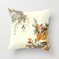 fox in foliage Throw Pillow