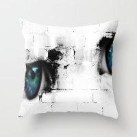 Kid´s eyes Throw Pillow