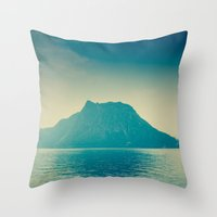 isla nublar... Throw Pillow