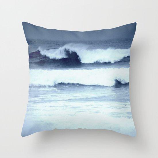 dancing waves Throw Pillow