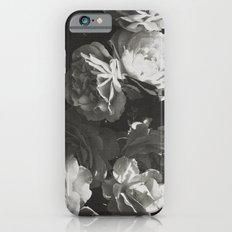 BLACK AND WHITE ROSES iPhone 6 Slim Case