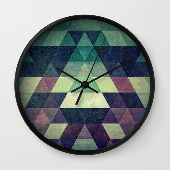 dysty_symmytry Wall Clock