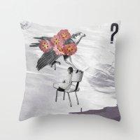 L'aigle Throw Pillow