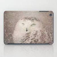 Snowy Owl in the snow iPad Case