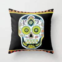 Tres Cráneos Throw Pillow