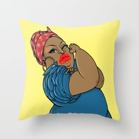 SJOKOLADE 14 Throw Pillow