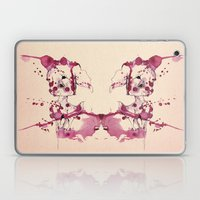 Spotted kitty fawn Laptop & iPad Skin