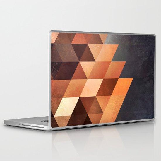 dyymd ryyyt Laptop & iPad Skin