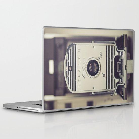 Vintage Polaroid Land Camera The 800 Laptop & iPad Skin