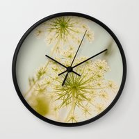 Summer Botanical Vintage Queen Anne's Lace Wall Clock