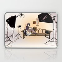 Studio Shoot (Maid Versi… Laptop & iPad Skin
