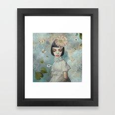 Bumble Bee Beauty Framed Art Print