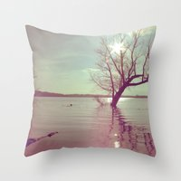 Peaceful Lake! Throw Pillow