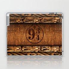 Platform 9 and 3 Quarters Wood Texture Laptop & iPad Skin