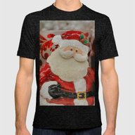T-shirt featuring Jolly Old Elf by Kealaphotography