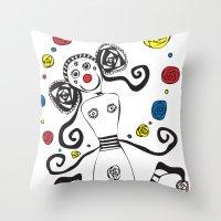 Palhacinha Throw Pillow